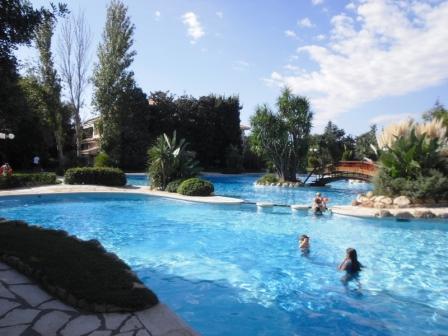 Spanien - Fussballcamp - Pool